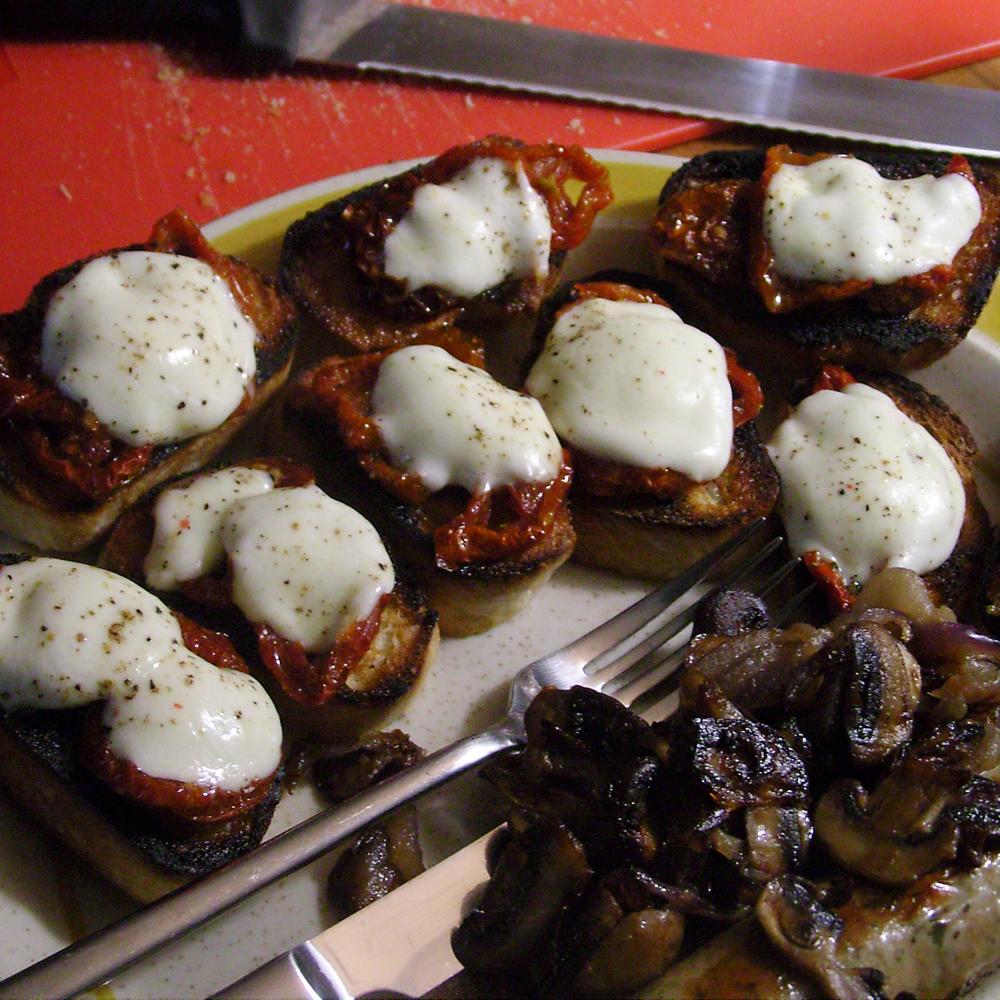 Tomates séchées et bocconcini