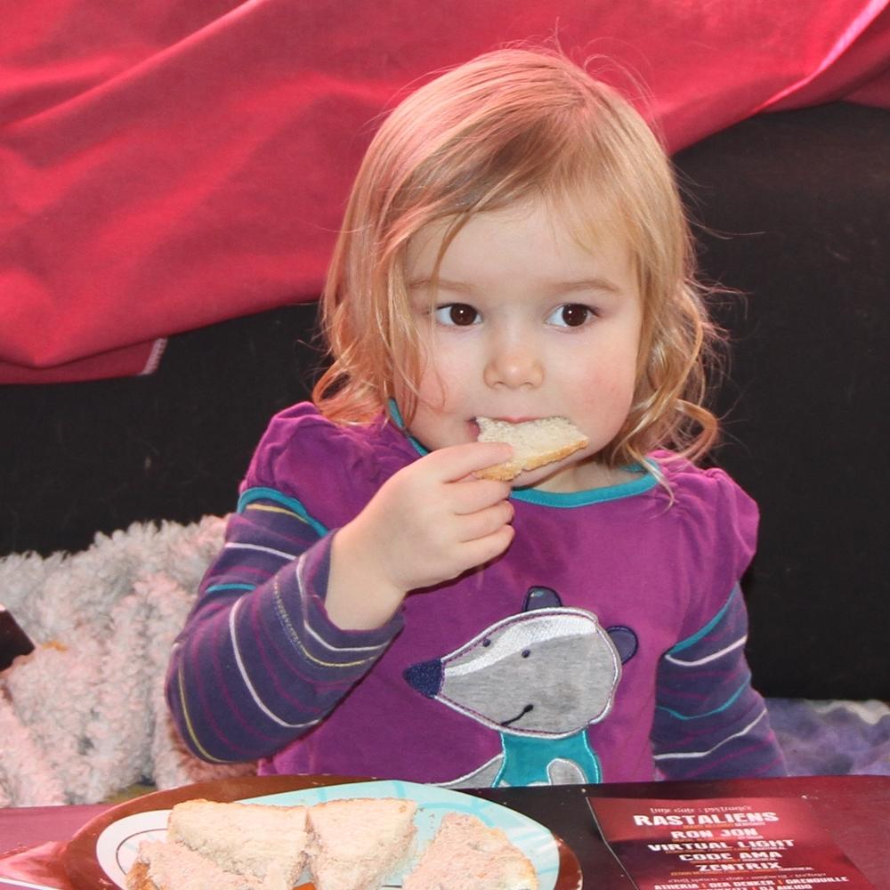 Difficile, faire manger une bambine?