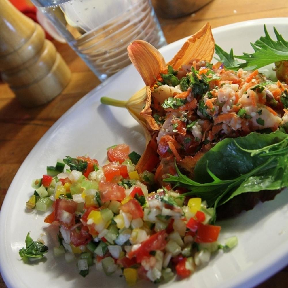 Hémérocalles et salades